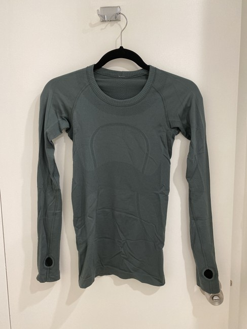 Item - Green Swiftly Ls Activewear Top Size 2 (XS)