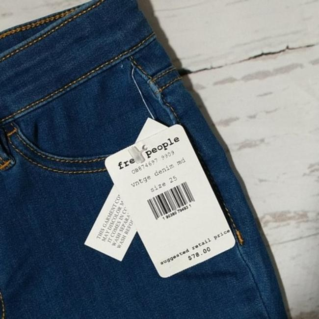 Free People Blue Distressed Destroyed Long and Lean Jeggings Skinny Jeans Size 25 (2, XS) Free People Blue Distressed Destroyed Long and Lean Jeggings Skinny Jeans Size 25 (2, XS) Image 3