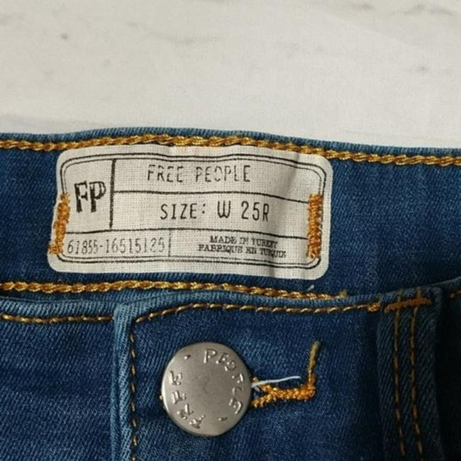 Free People Blue Distressed Destroyed Long and Lean Jeggings Skinny Jeans Size 25 (2, XS) Free People Blue Distressed Destroyed Long and Lean Jeggings Skinny Jeans Size 25 (2, XS) Image 4