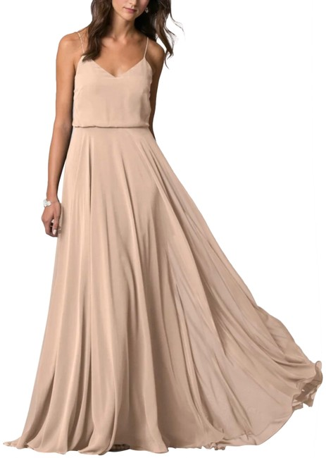 Item - Blush Inesse V-neck Spaghetti Strap Chiffon Long Formal Dress Size 10 (M)