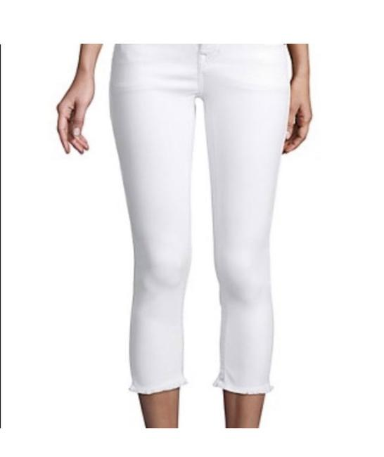 Item - Optic White Light Wash Halle Flip Raw Capri/Cropped Jeans Size 25 (2, XS)