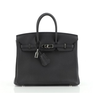 Hermès Leather Handbag Satchel in Noir (Black)