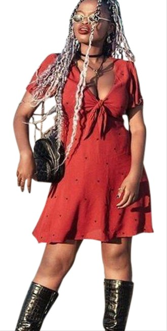 Item - Red and Black Heart Front Cutout Embroidered Night Out Dress Size 8 (M)