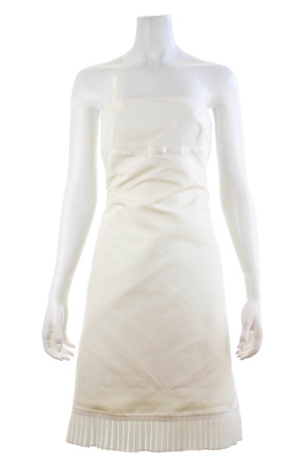 Item - Off White Strapless Mid-length Night Out Dress Size Petite 6 (S)
