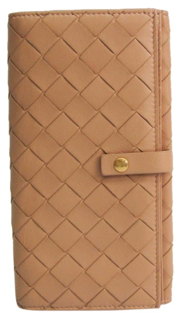 Item - Beige Long Intrecciato Women's Leather (Bi-fold) Wallet