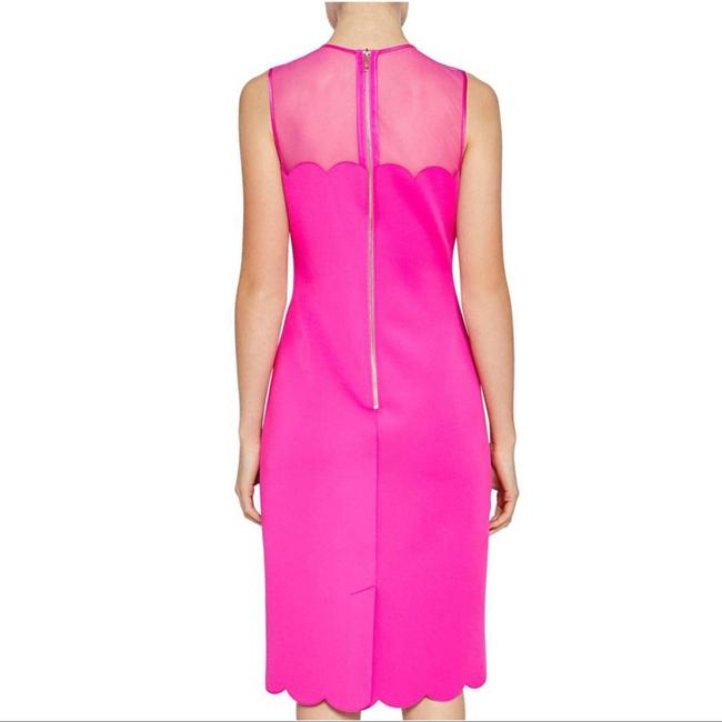 Ted Baker Pink Clowva Scallop Trim Bodycon Sleeveless Cocktail Dress Size 2 (XS) Ted Baker Pink Clowva Scallop Trim Bodycon Sleeveless Cocktail Dress Size 2 (XS) Image 2