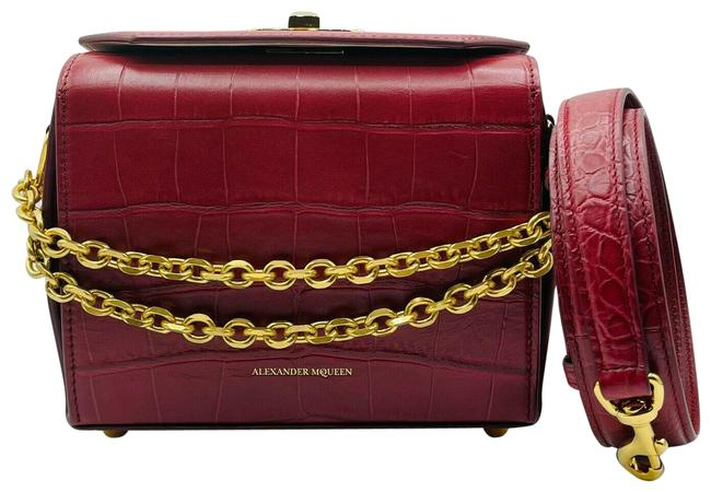 Item - Box Crocodile Embossed 19 501105 6622 Burgundy Leather Cross Body Bag