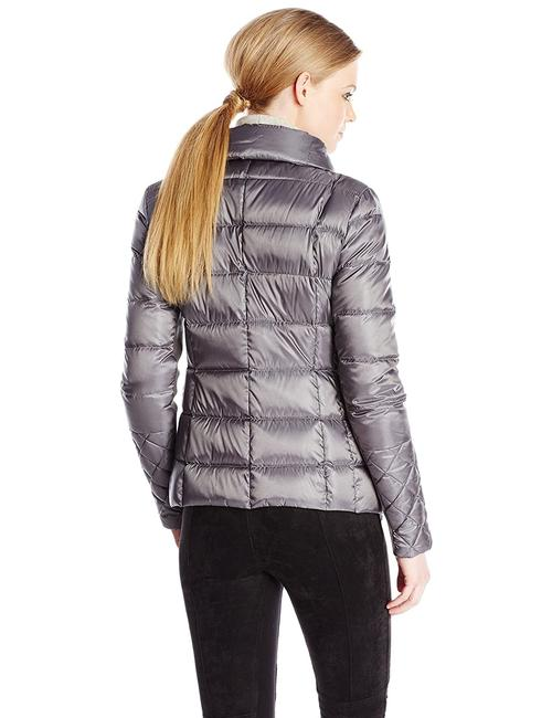 BCBGMAXAZRIA Gray Lilly Down Waterfowl Feather Packable Puffer Coat Size 6 (S) BCBGMAXAZRIA Gray Lilly Down Waterfowl Feather Packable Puffer Coat Size 6 (S) Image 2