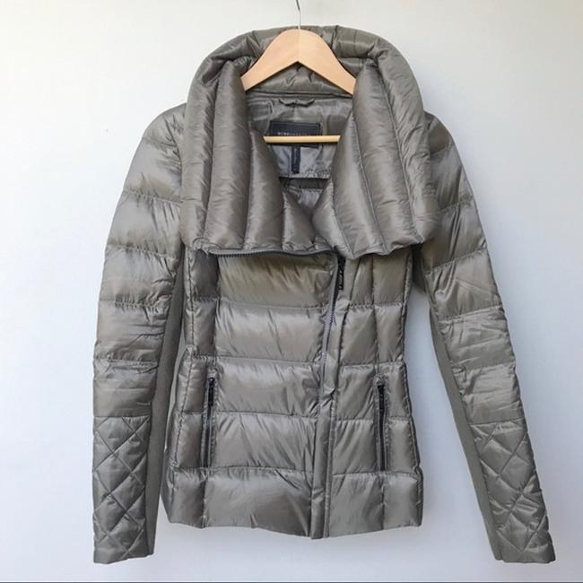 BCBGMAXAZRIA Gray Lilly Down Waterfowl Feather Packable Puffer Coat Size 6 (S) BCBGMAXAZRIA Gray Lilly Down Waterfowl Feather Packable Puffer Coat Size 6 (S) Image 3