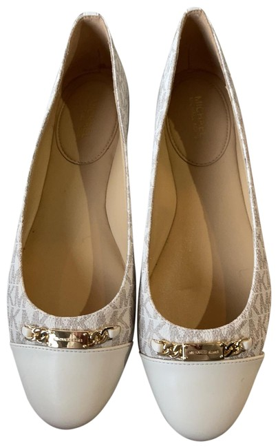 Item - Cream with Gold Logo Trademark Leather Ballet Flats Size US 8.5 Regular (M, B)
