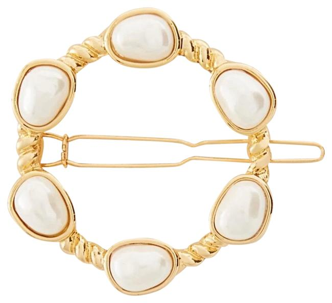 Item - Gold Pearlized Circle Clip Hair Accessory