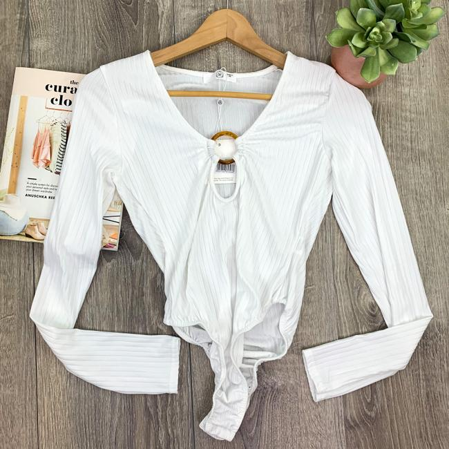 Missguided White Tall Ribbed Ring Bodysuit Blouse Size 4 (S) Missguided White Tall Ribbed Ring Bodysuit Blouse Size 4 (S) Image 4