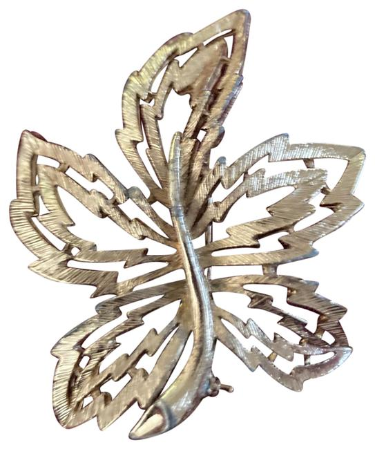 Item - Vintage Leaf Brooch