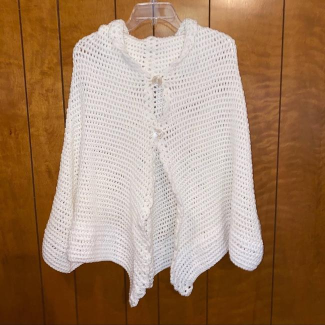 Item - White Women's Poncho/Cape Size OS (one size)
