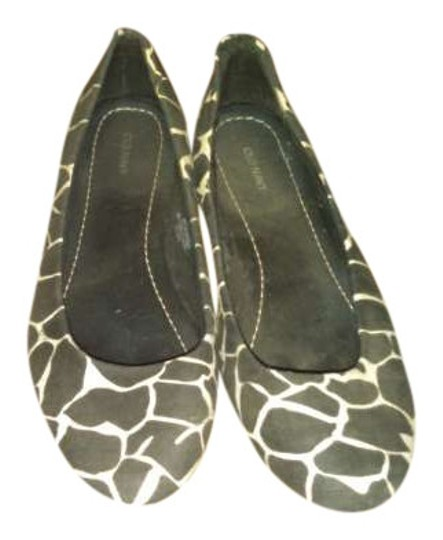 Old Navy Cute Comfortable Leopard Giraffe Flats