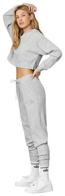 Item - Heather Grey Muse Sweatpants and Cropped Set Activewear Outerwear Size 8 (M)