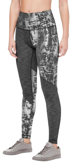 Item - Gray and Silver Wunder Under High-rise Foil Tight Activewear Bottoms Size 4 (S)