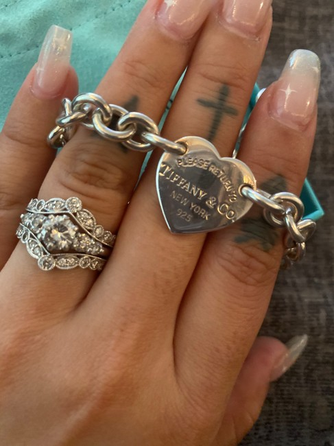 Item - Silver Heart Tag Like New Bracelet