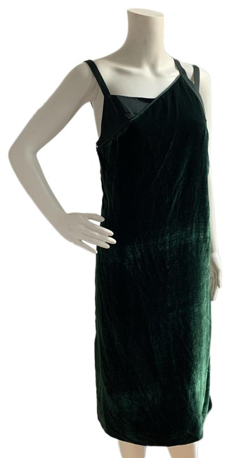 Item - Forest Green Front Velvet Mid-length Night Out Dress Size 6 (S)