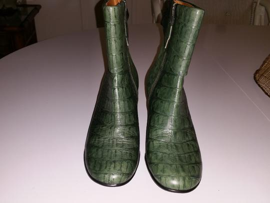 Blo Jade and Black Boots
