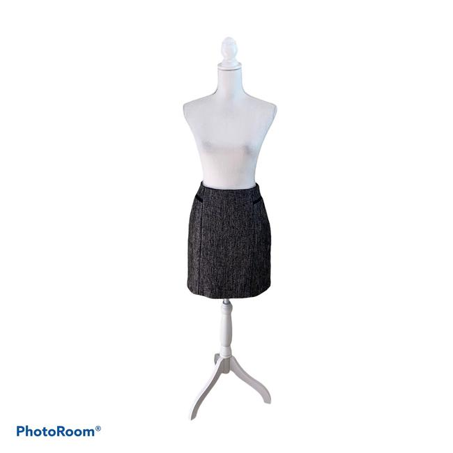 Item - and Whbm Tweed Style Skirt Size 8 (M, 29, 30)