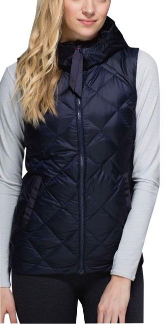 Item - Blue Red Plaid Fluffiest Reversible Hood Navy Cypress Puffer Goose Activewear Outerwear Size 8 (M)