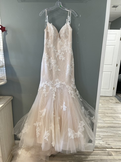 Item - Ivory Over Blush Lace Ally Formal Wedding Dress Size 8 (M)
