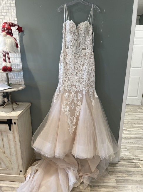 Item - Ivory Over Blush Lace Alistaire Formal Wedding Dress Size 8 (M)