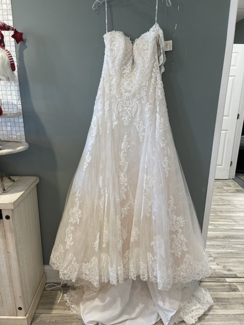 Item - Ivory Over Soft Blush Lace Gail Formal Wedding Dress Size 8 (M)