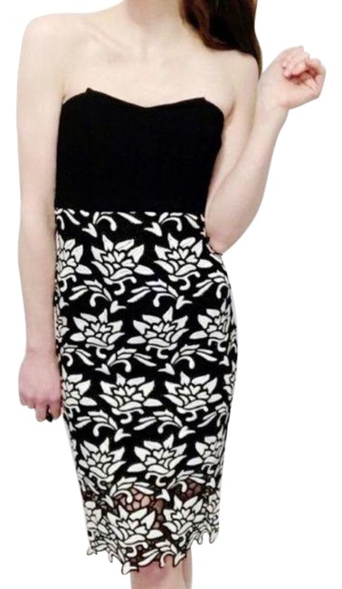 Item - Black White Strapless and with Floral Lace Overlay Mid-length Cocktail Dress Size 0 (XS)
