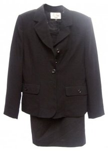 Casual Corner BLACK ALL WEATHER SUIT - NICE FABRIC