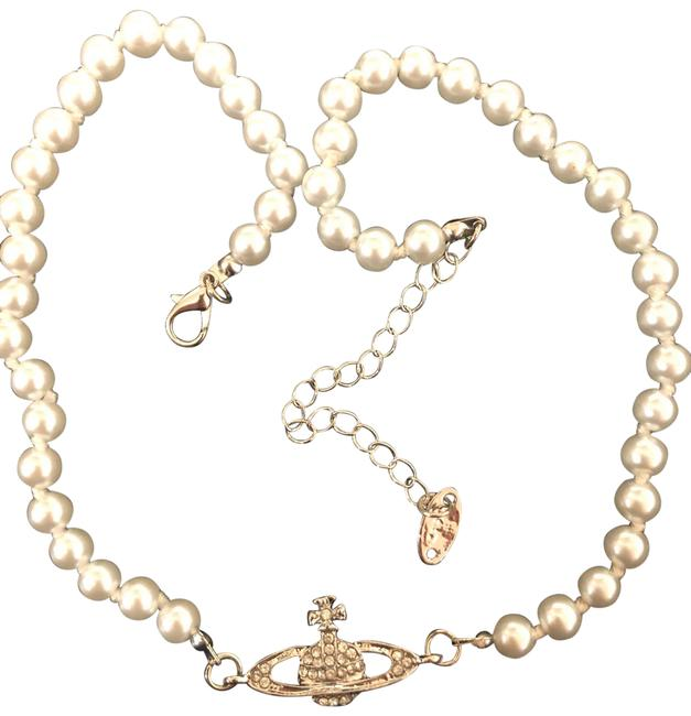 Item - Ecru Pearl-style Choker with Orb Pendant That Sits At Center Of Neck Necklace