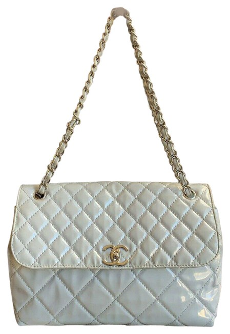 Item - Classic Quilted Single Flap Chain Gray Patent Leather Shoulder Bag