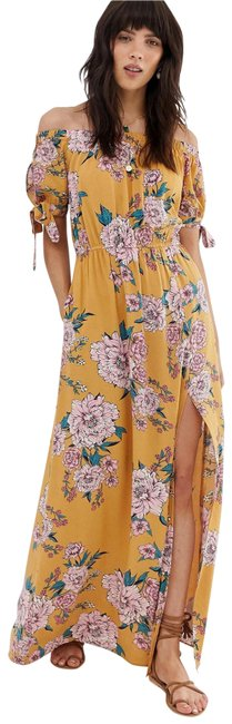 Item - Yellow Off The Shoulder Long Casual Maxi Dress Size 4 (S)