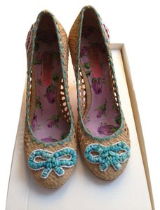 Betsey Johnson Women's Jene blue Pumps