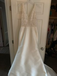 Anne Barge Ivory Silk Celine Formal Wedding Dress Size 10 (M)