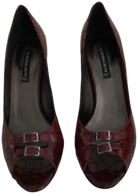 Item - Red Leather Vampire Print Cocco Pumps Size US 7.5 Regular (M, B)