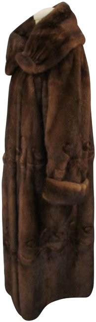 Item - Brown Mink Highly Styled Mink with Cut Out Pattern - Coat Size 14 (L)