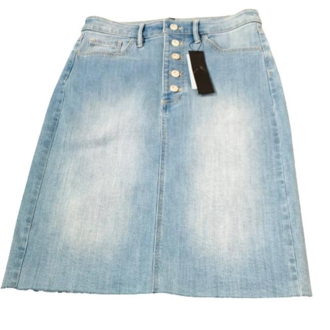 Item - Blue Washed Button Denim Skirt Size 6 (S, 28)