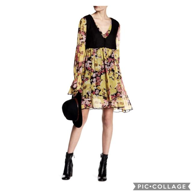 Item - Yellow and Black Alice Floral Print Vested Mid-length Short Casual Dress Size 6 (S)