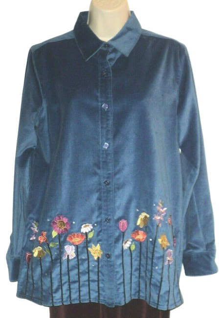 Item - Blue Marked Small But Runs Bigger Blue-gray Embroidered Flowers Buttoned Button-down Top Size 6 (S)