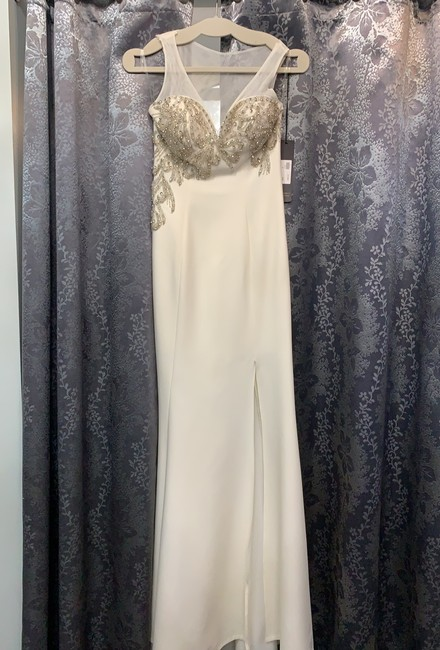 Item - Cream 3565 Formal Bridesmaid/Mob Dress Size 2 (XS)