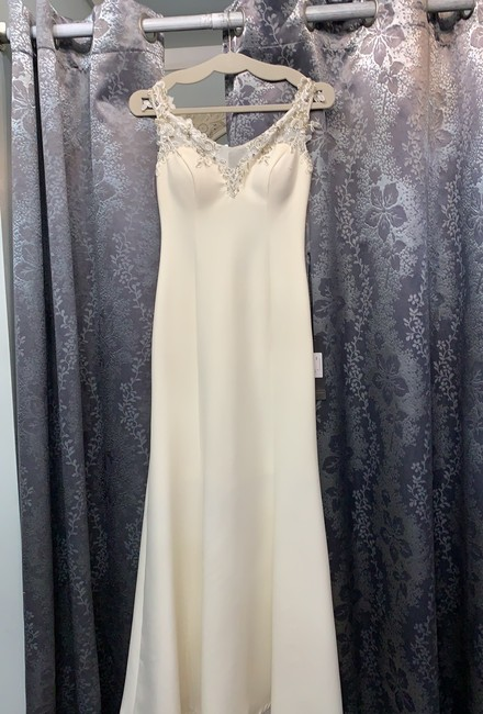 Item - Cream 3560 Formal Bridesmaid/Mob Dress Size 2 (XS)