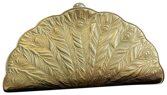Item - Kenessa Peacock Lane Gold Leather Clutch