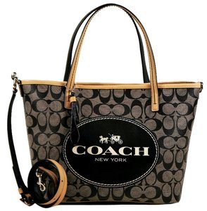 Coach Tote in Black and White