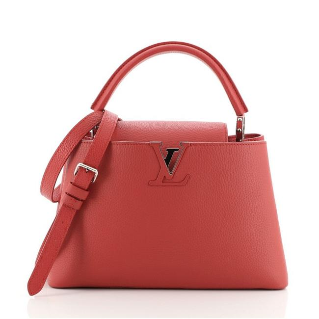 Item - Capucines Pm Red Leather Cross Body Bag