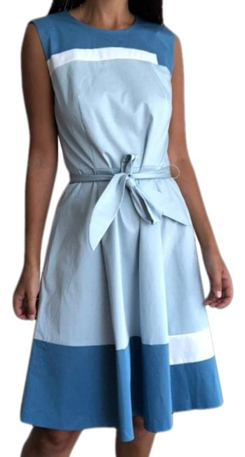 Item - White Blue Color Block Fit And Short Casual Dress Size 4 (S)