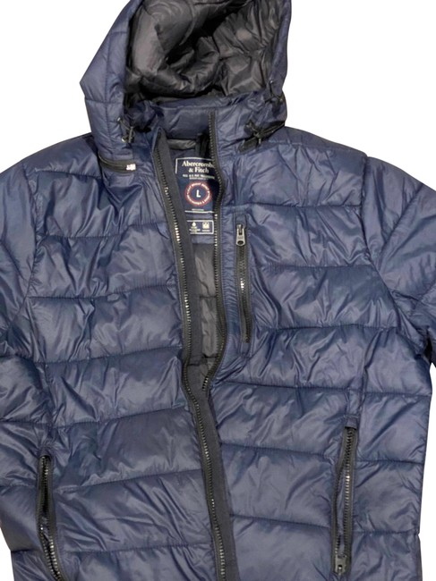 Item - Navy Men's Packable Down with Removable Hood Coat Size 12 (L)