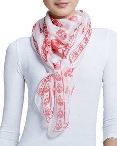 Alexander McQueen Alexander McQueen White And Red Skull Silk Scarf New With Tags