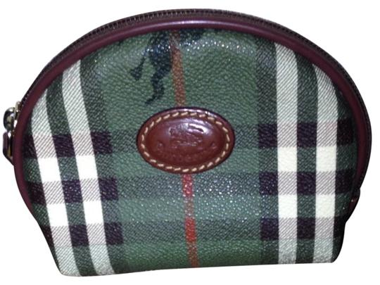 Preload https://item4.tradesy.com/images/burberry-green-plaid-cosmetic-bag-2865988-0-0.jpg?width=440&height=440